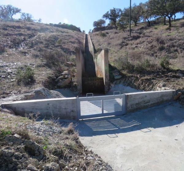 Dispositivos de retenção de fauna piscícola exótica em barragens