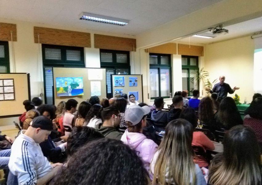 A LPN na escola secundária Cacilhas-Tejo