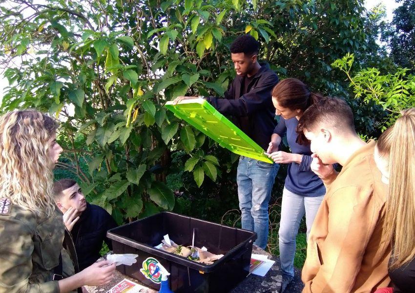 Ação de compostagem e vermicompostagem doméstica
