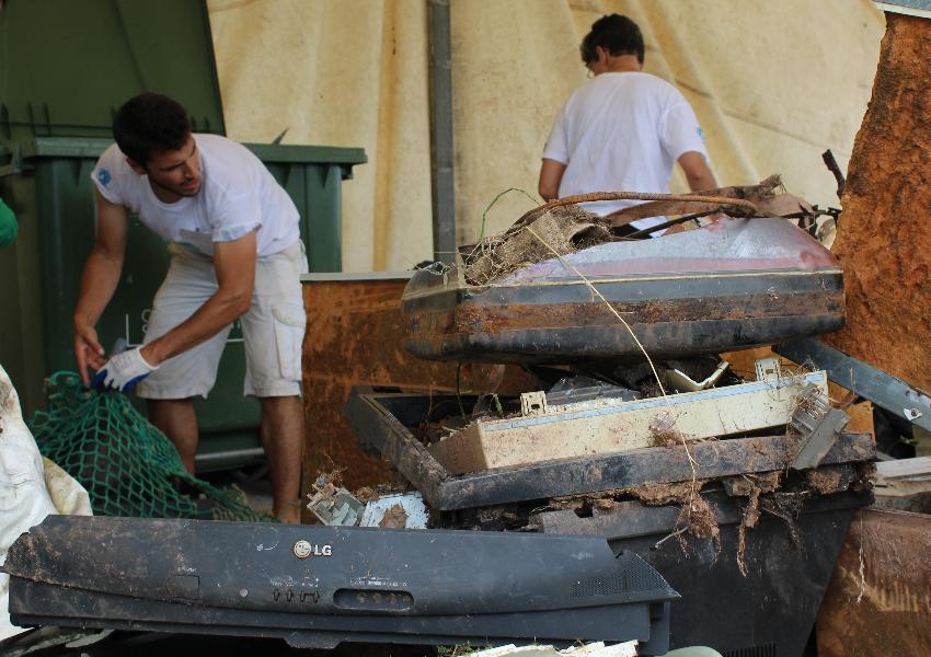 Grande ação de limpeza nas margens da Lagoa de Óbidos